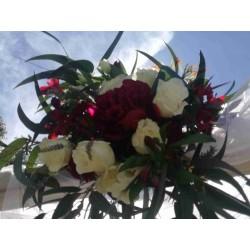 Muntatge arc floral per a...