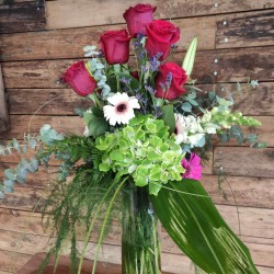 Gerro de roses i flors...