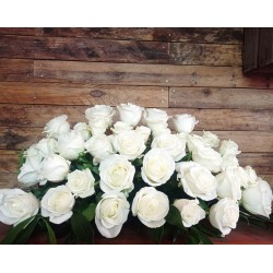 Centre de roses blanques