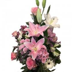 Centro variado de flores